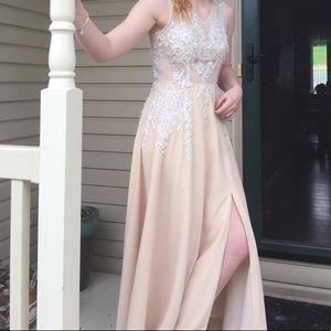 Dresses & Skirts - Champagne prom dress